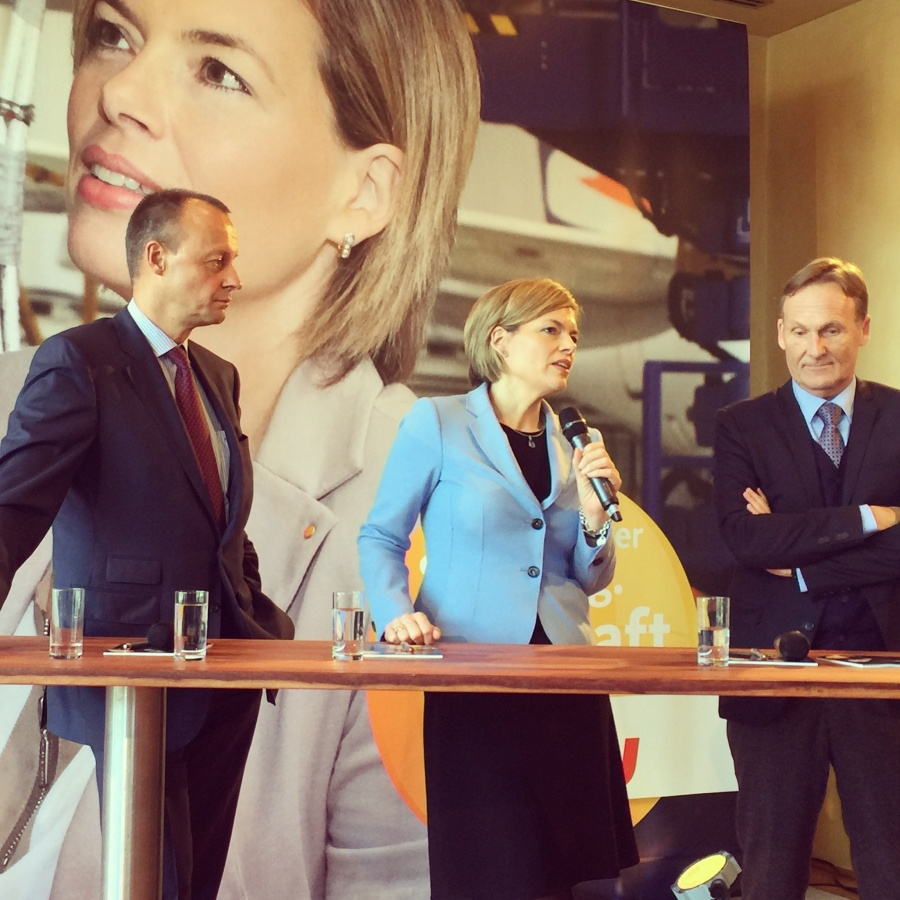 julia klckner friedrich merz und aki watzke auf dem wirtschaftsgipfel der cdu rheinland pfalz - Julia Klockner Lebenslauf